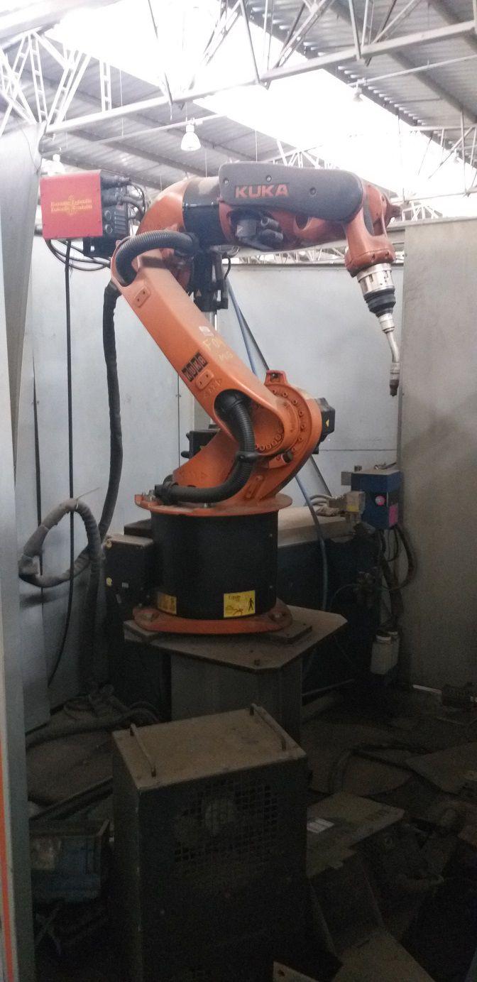 1-Robô de solda Enclausurado marca Kuka Modelo KR 16 Arc HW