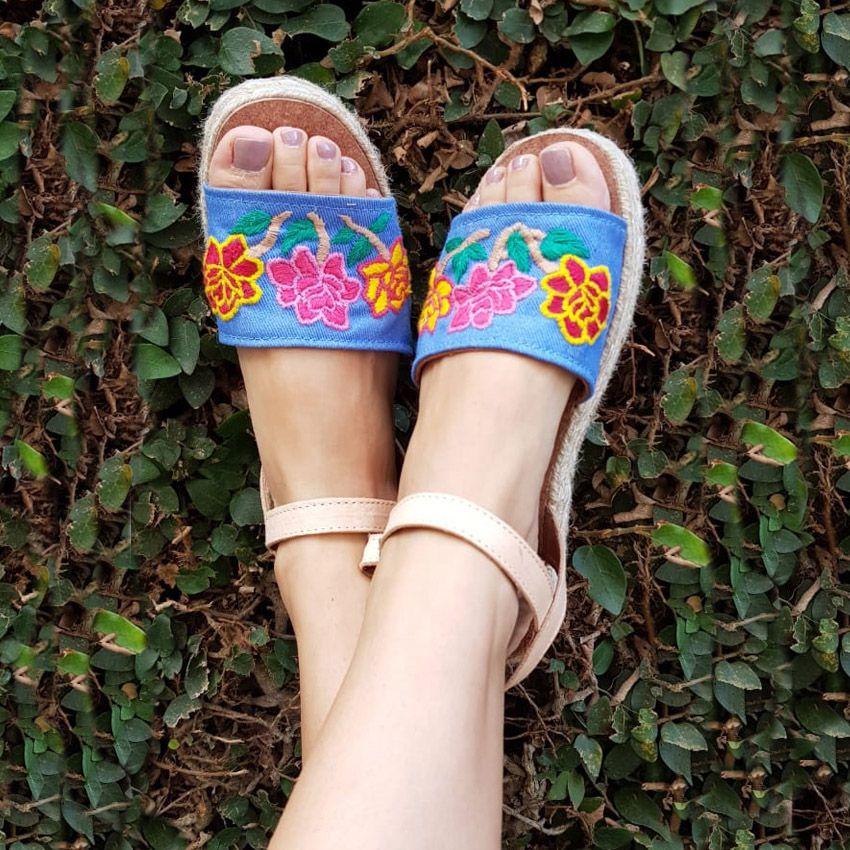 Sandália Jeans Flores Solado Duplo