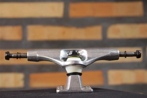 Truck Crail 142 Hi Letícia Bufoni Silver (C/amortecedor Bones)  - No Comply Skate Shop