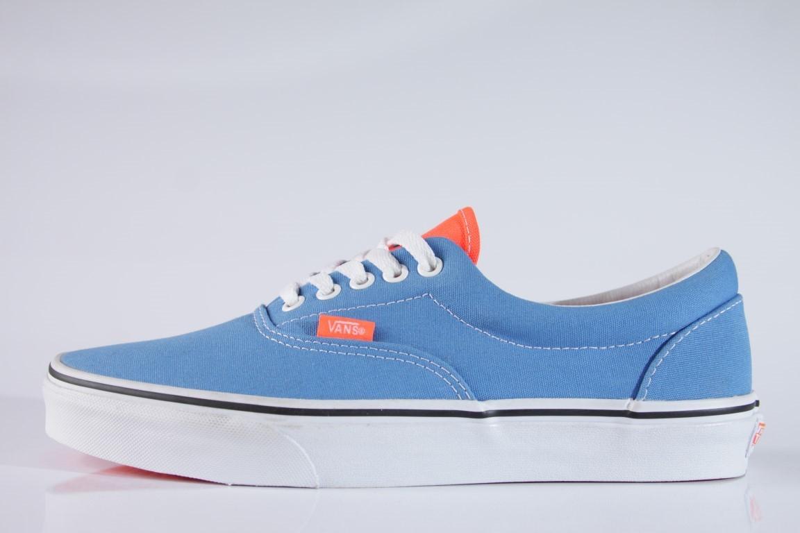 Tênis Vans - U Era (2 Tone) Neon Blue/Neon Coral  - No Comply Skate Shop