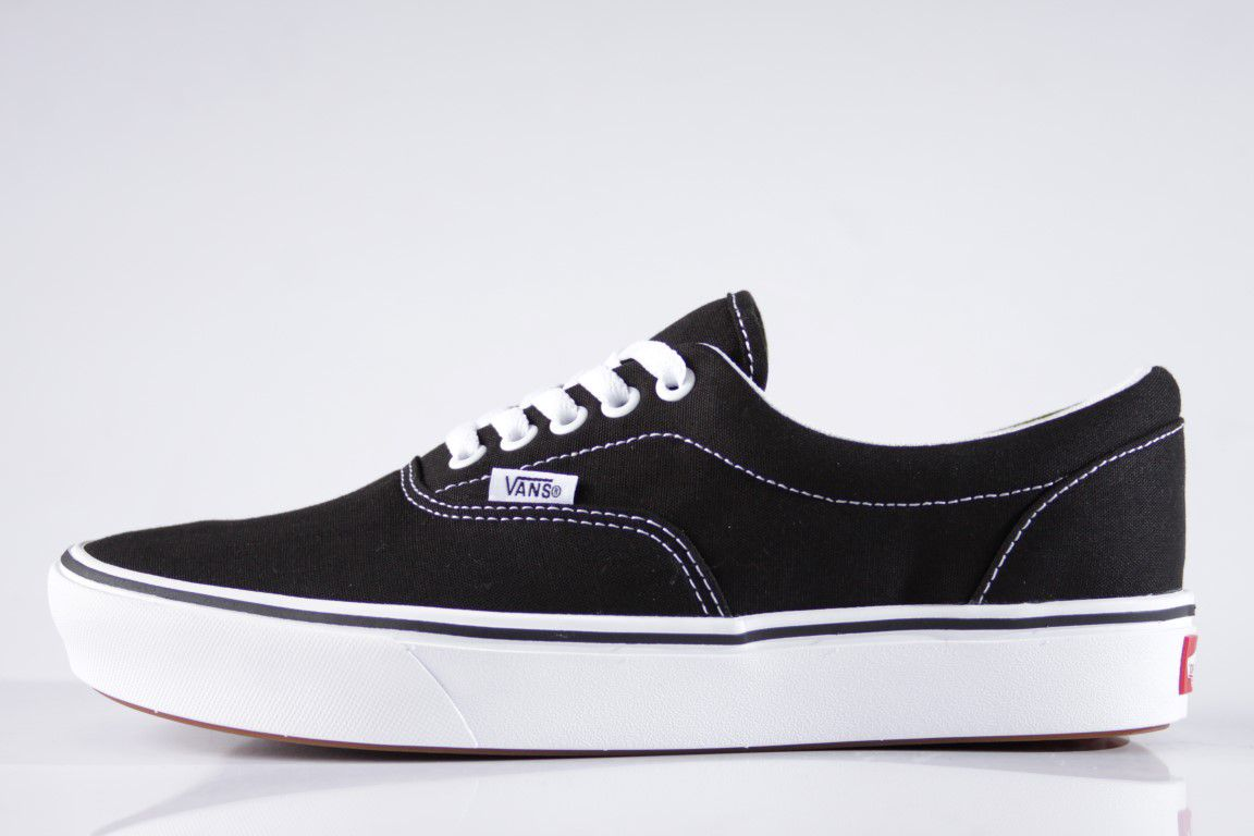acad256adf3 Tênis Vans - UA Comfycush Era Black True White - No Comply Skate Shop ...