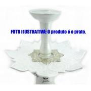 Prato luxo 23cm. Athenas. Em metal maciço, inox e decorado com flor de lótus em alto relevo. Cor BRANCO centro PRATA.