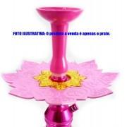 Prato luxo 23cm. Athenas. Em metal maciço, inox e decorado com flor de lótus em alto relevo. Cor ROSA BEBÊ centro DOURADO.