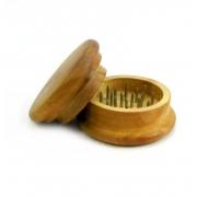Desfiador / triturador / dichavador em MADEIRA com 32 dentes em metal, PEQUENO. 5,5cm diâmetro e 3,0cm altura.
