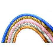 Mangueira Helix, anti chamas, marca Fulgore, em silicone com espiral externa. 1,65m de comprimento.