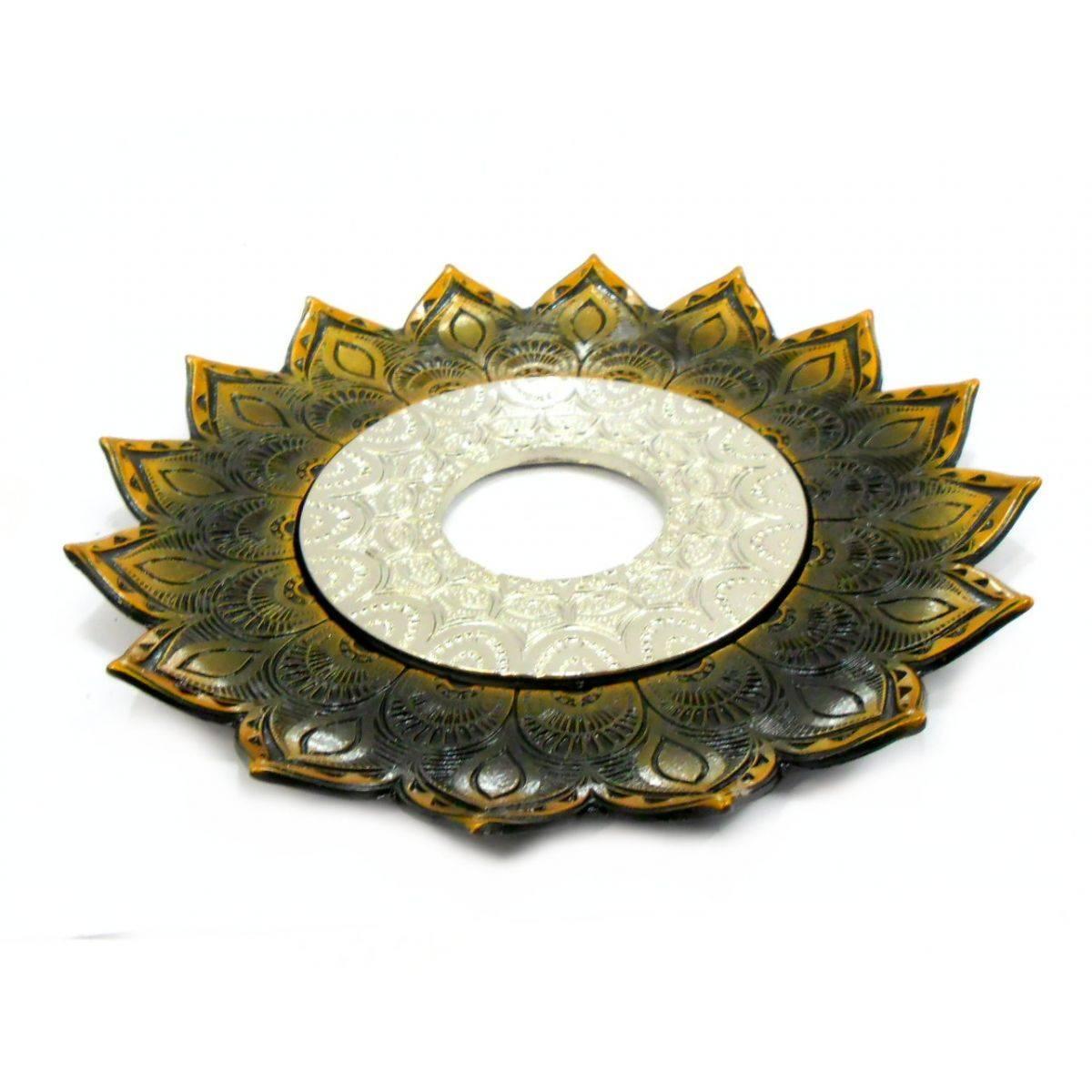 Prato para narguile mod. Artemis 17cm diâm. Em liga metálica inox e decorado. Cor: OURO VELHO.