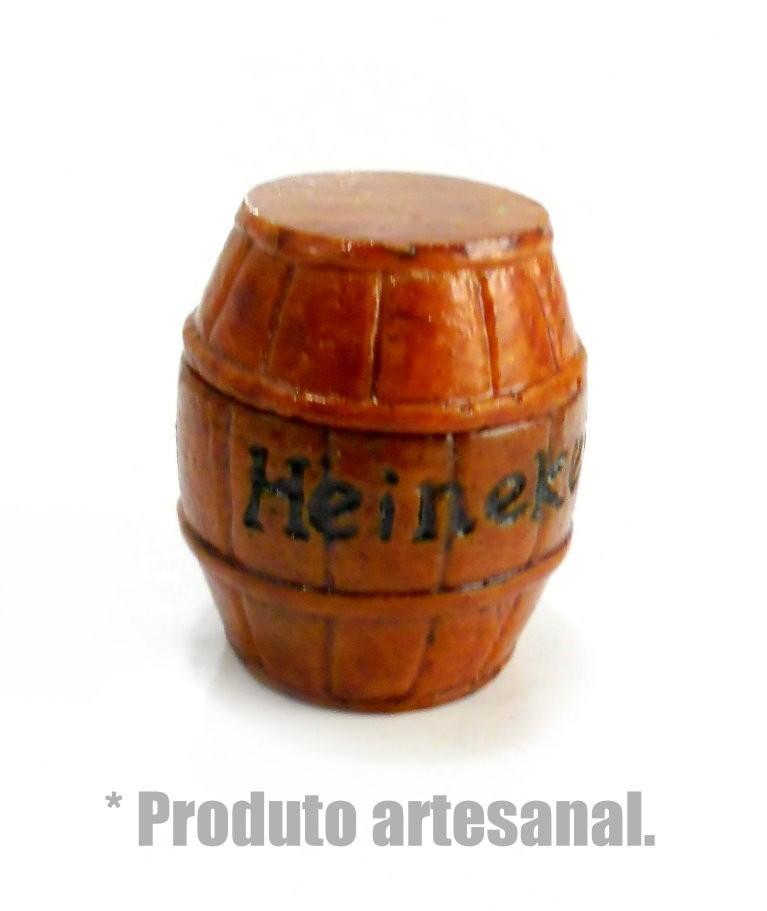 Desfiador / triturador / dichavador em resina pequeno, artesanal formato BARRIL HEINEKEN.