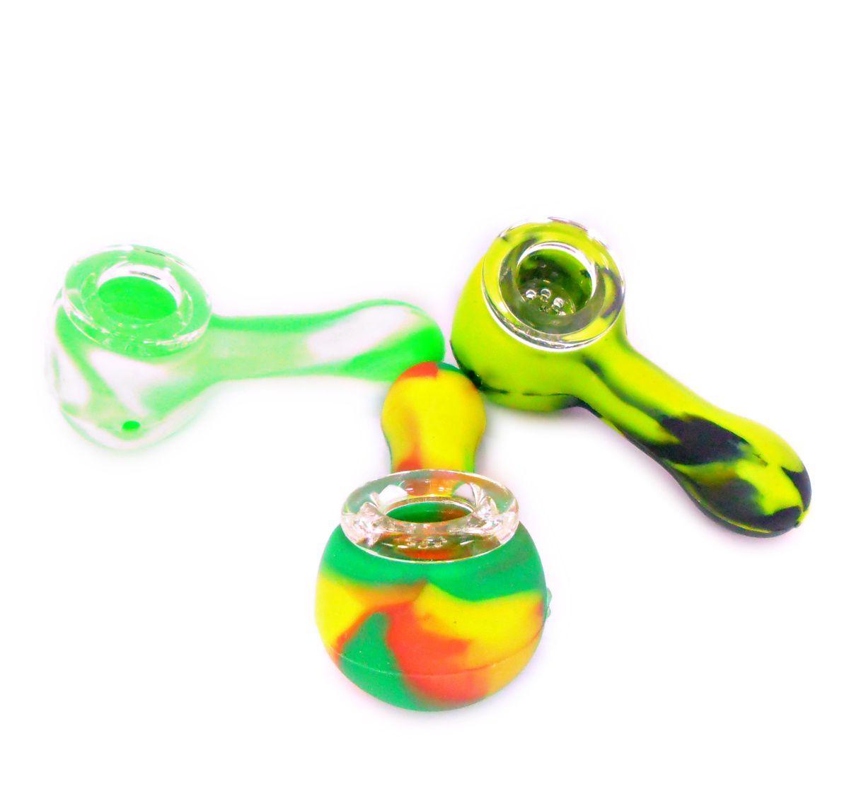 Pipe de silicone e bowl de vidro. Tamanho Médio, 8,0 cm de comprimento, 1,5cm de diâmetro do bowl.