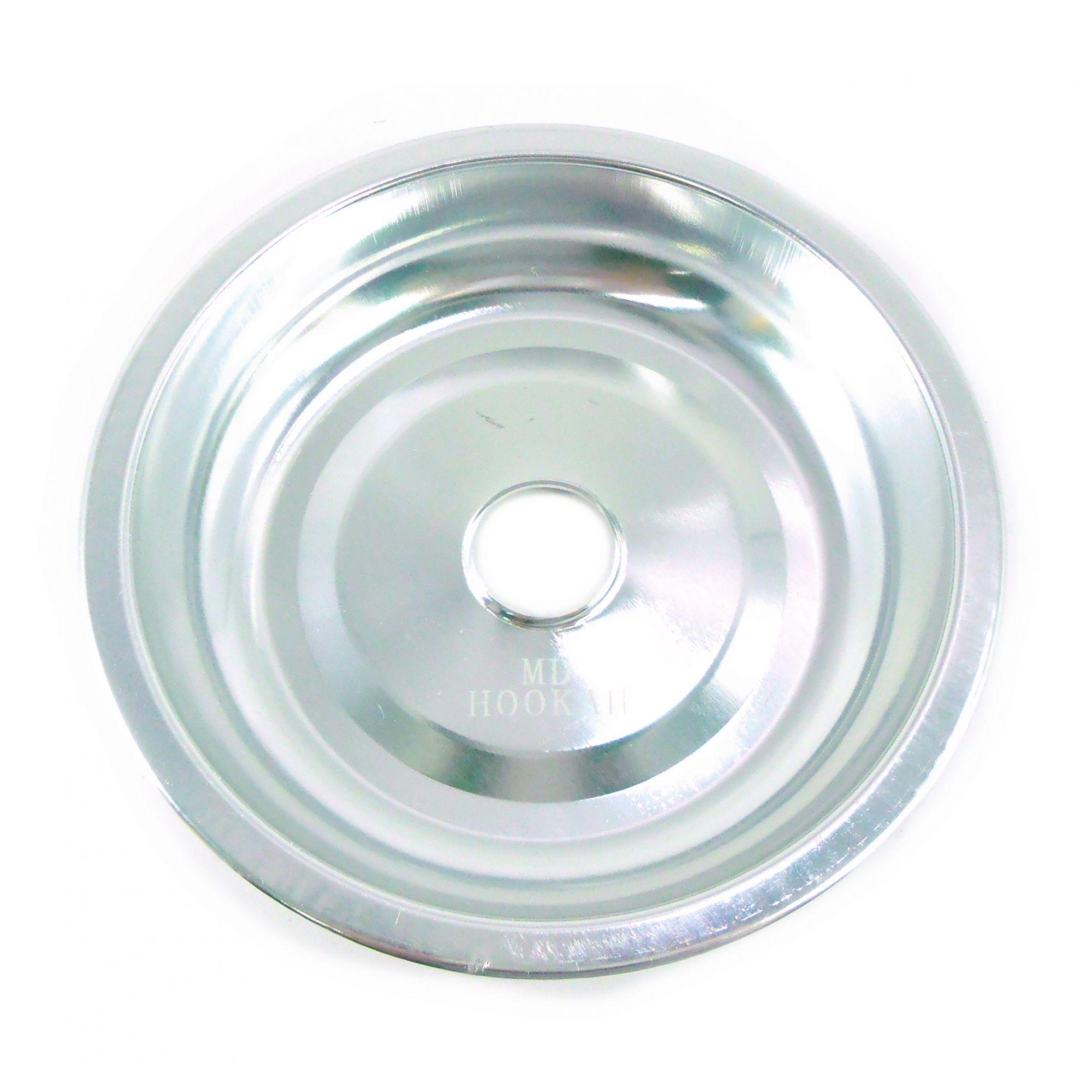 Prato para narguile em alumínio marca MD, tamanho médio (13,3cm de diâmetro, furo 2,2cm). Cromado
