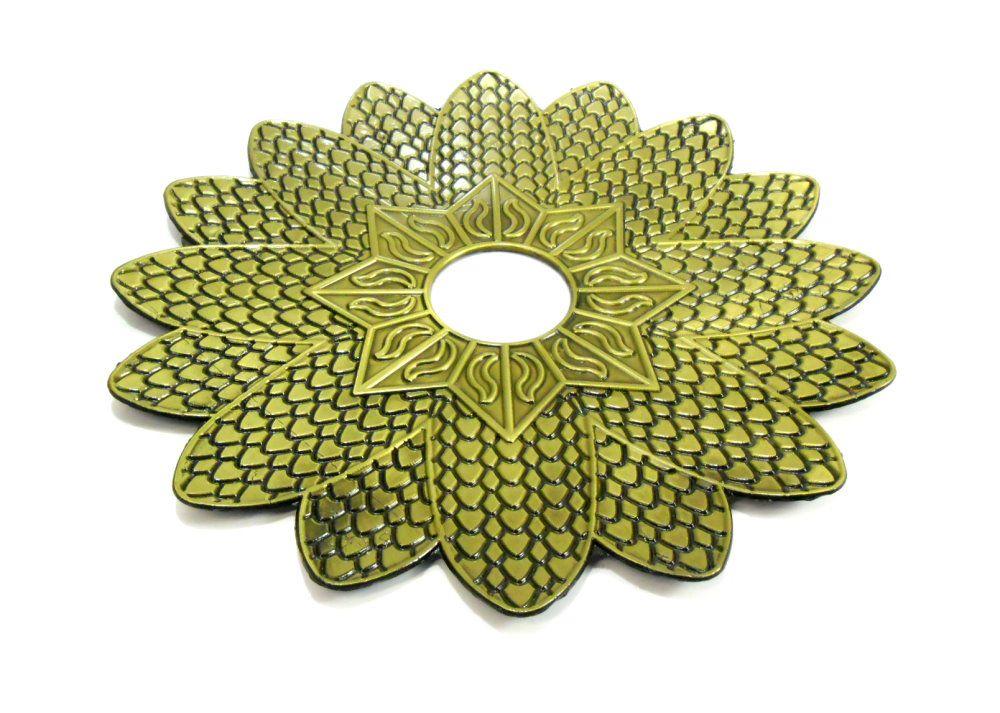 Prato para narguile marca Kimo, modelo Floral Egípcio, em liga inox, pintado, 25 cm diâm.