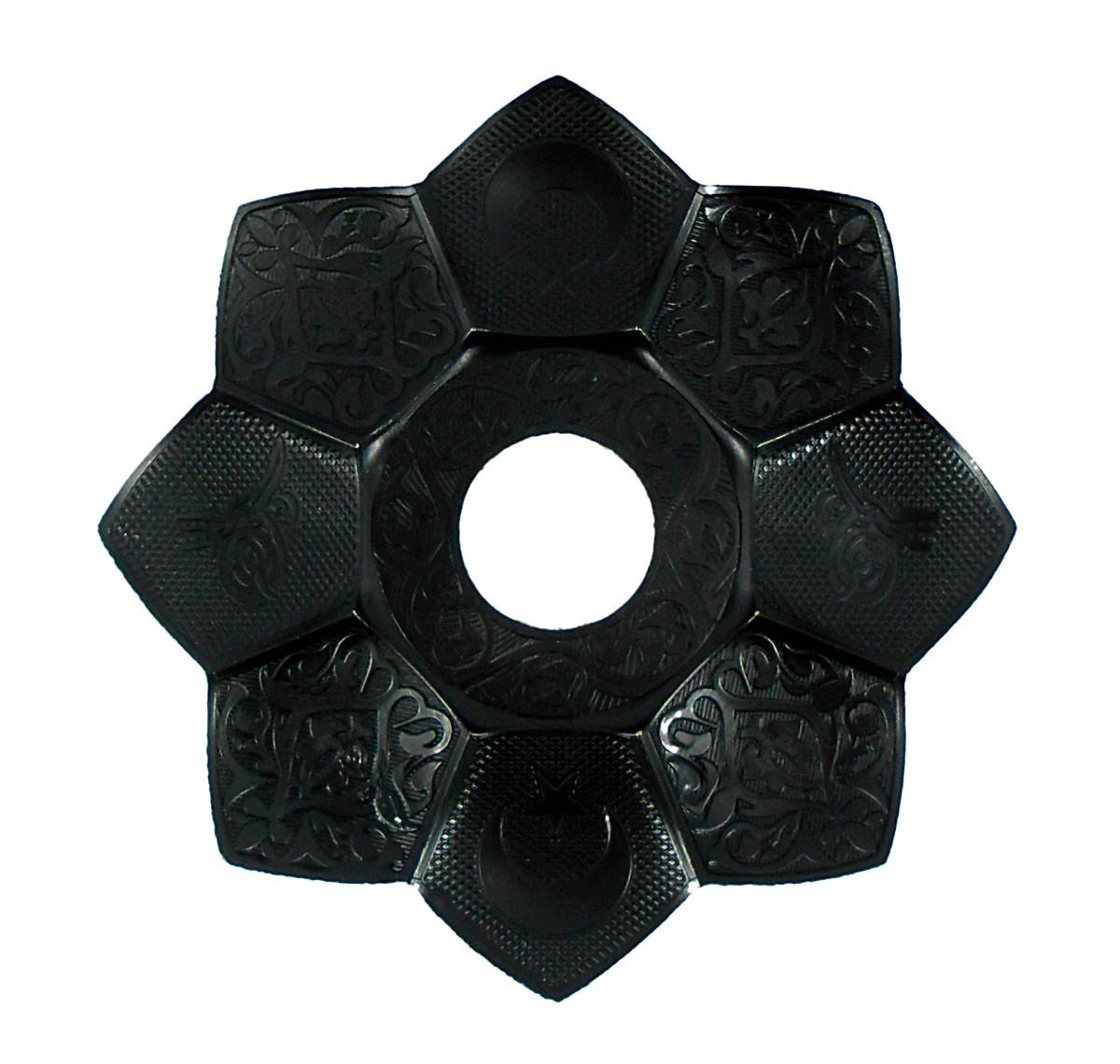 Prato para narguile marca Md Hookah 21cm de diâmetro. Em metal inox e decorado. Cor PRETO.