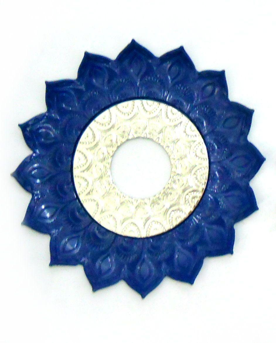 Prato para narguile mod. Artemis 17cm diâm. Em liga metálica inox e decorado. AZUL ESCURO centro Prata