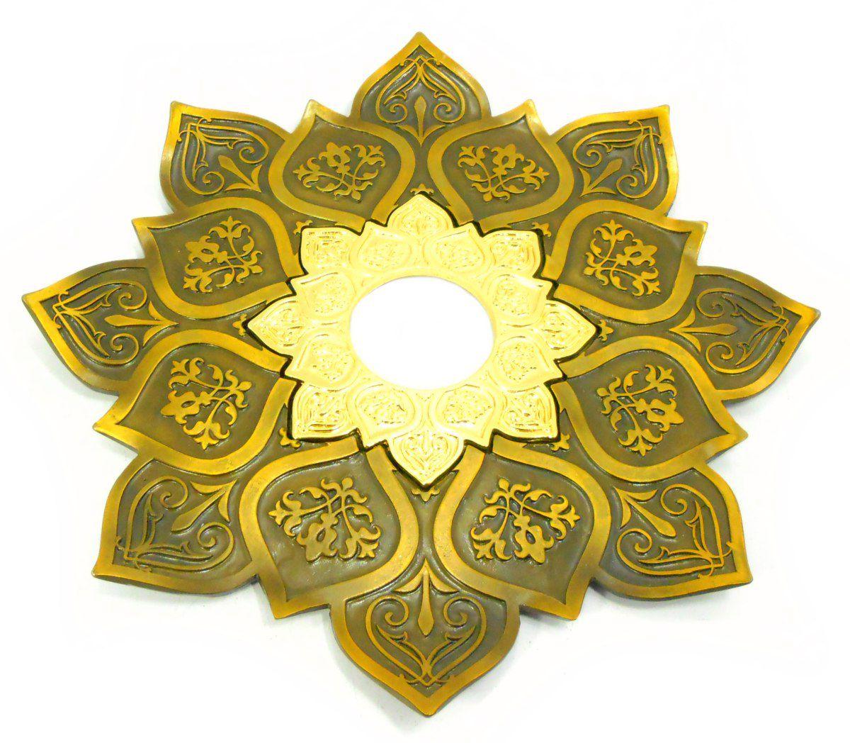 Prato para narguile mod. Athenas 23cm em liga metálica inox e decorado. Cor OURO VELHO. Centro Dourado