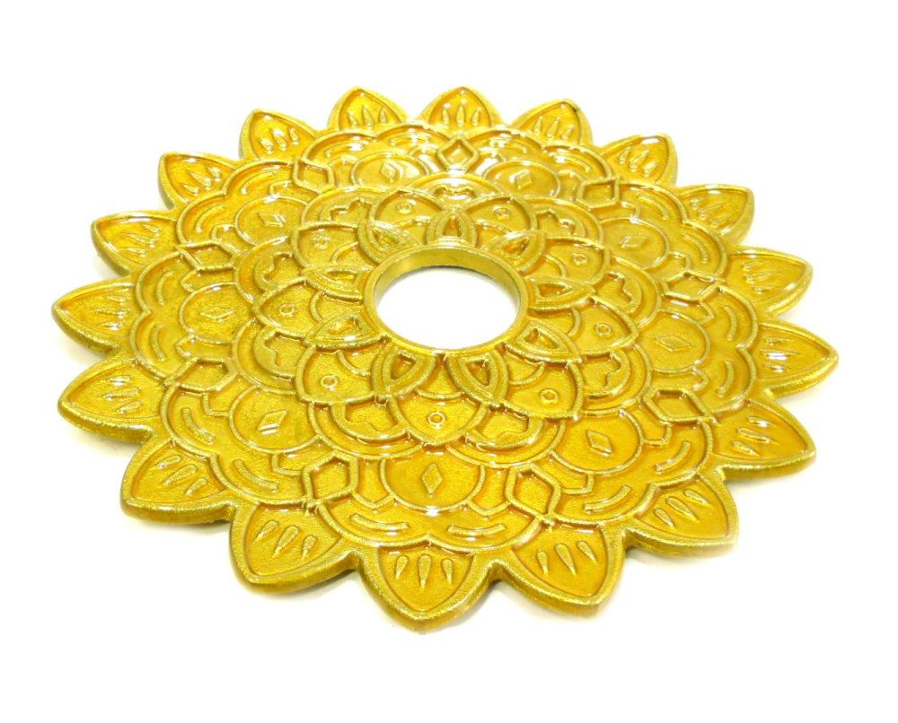 Prato para narguile modelo Phantom Poison, 22cm, furo central 4,2cm. Dourado