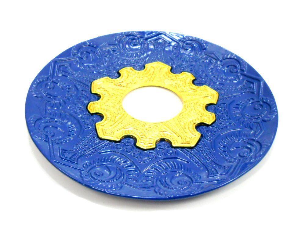 Prato para narguile modelo Vennus 17cm de diâmetro. Liga metálica inox e decorado. AZUL. Centro dourado