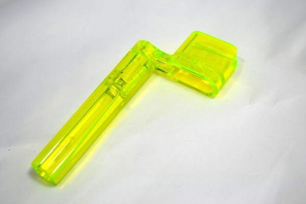 """Encordoador tipo """"manivela"""" cor amarelo neon - Alice (Modelo A009)  - Luthieria Brasil"""