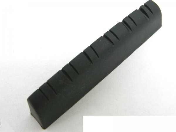 Nut de plástico cor preta para violão 12 cordas (49mm x 6.0mm x 8.9/8.6mm)  - Luthieria Brasil