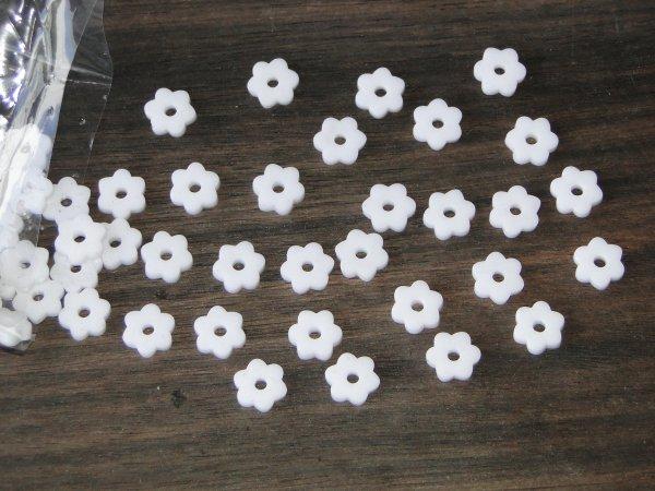 """Inlay/Marcações (dots) formato """"flor"""" - Padrão 5 - Acrílico branco - 10,5mm x 9,5mm x 2mm (Pacote com 12 un)  - Luthieria Brasil"""
