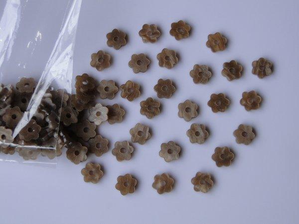 """Inlay/Marcações (dots) formato """"flor"""" - Padrão 5 - Acrílico caramelo perolado - 10,5mm x 9,5mm x 2mm (Pacote com 12 un)  - Luthieria Brasil"""