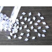 Marcações (dots) diamante (vazado) para braço - Padrão 2 - Acrílico branco perolado - 10.5mm x 7mm x 2mm (Pacote com 12 un)