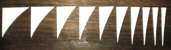 """Marcações (dots) para braço """"Dente de tubarão"""" (Padrão 2) - Acrílico branco (2mm) (Pacote com 10 un)  - Luthieria Brasil"""