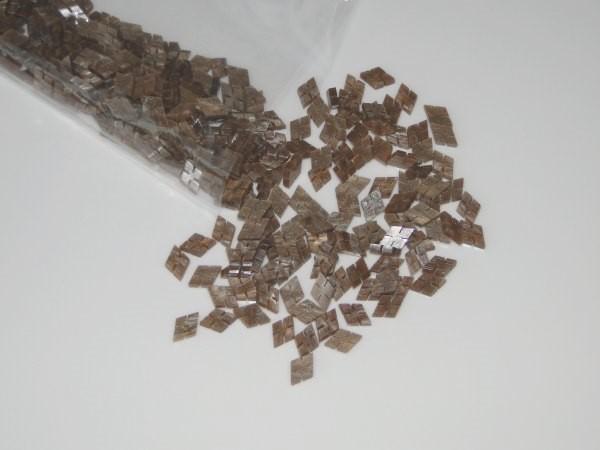 Marcações (dots) diamante (vazado) para braço - Padrão 1 - Acrílico caramelo perolado - 12,5mm x 8mm x 2mm (Pacote com 12 un)  - Luthieria Brasil