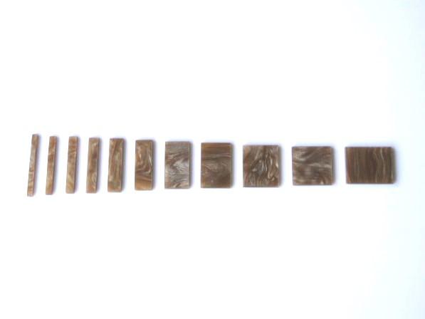 Marcações (dots) para braço retangular (Padrão 1) - Acrílico caramelo perolado (2mm) (Pacote com 11 un)  - Luthieria Brasil
