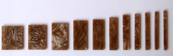 Marcações (dots) para braço retangular (Padrão 3) - Acrílico caramelo perolado (2mm) (Pacote com 11 un)  - Luthieria Brasil