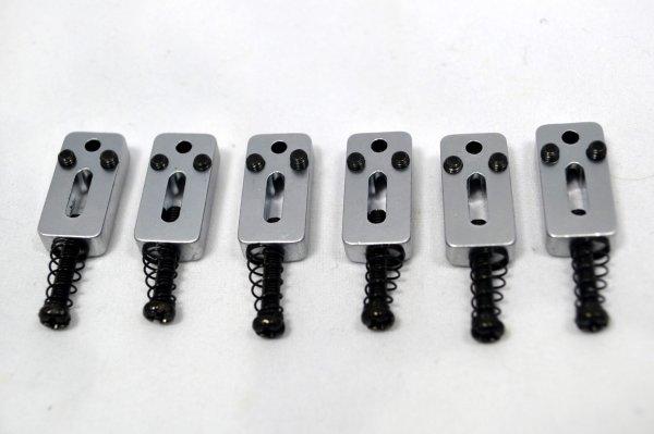 Carrinhos (saddles) cromado fosco c/ roller para guitarra Strato - Espaçamento 10.8mm - Kit com 6 peças - Sung Il (PS118CS)  - Luthieria Brasil