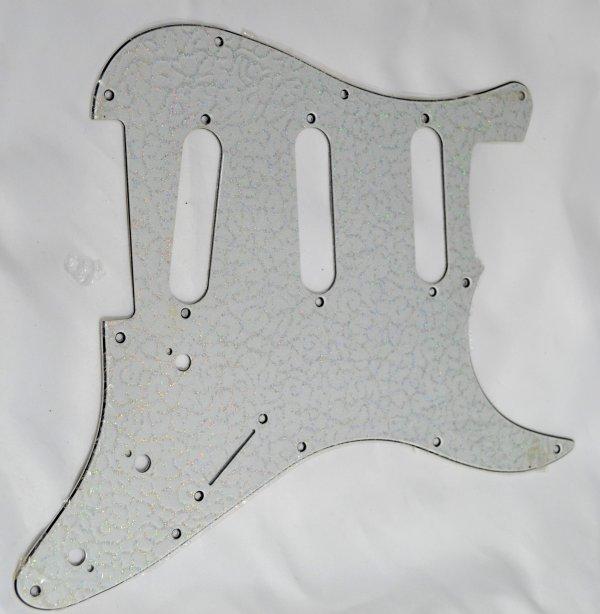Escudo para Guitarra Stratocaster SSS Paisley Sparkle Branco - 3 camadas (sanduíche) - Dolphin  - Luthieria Brasil