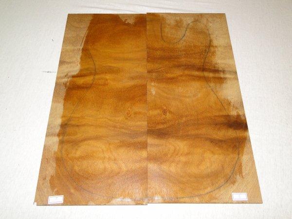Top (tampo) de Rádica de Itaúba para guitarra/baixo nº 05 (44cm x 19cm x 0,7cm (2 peças))  - Luthieria Brasil