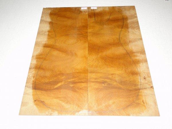 Top (tampo) de Rádica de Itaúba para guitarra/baixo nº 02 (44cm x 19,5cm x 0,7cm (2 peças))  - Luthieria Brasil