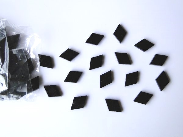 Marcações (dots) diamante (vazado) para braço - Padrão 3 - Acrílico preto - 23mm x 15mm x 2mm (Pacote com 12 un)  - Luthieria Brasil