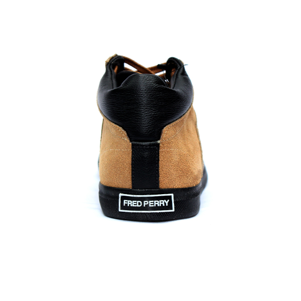 93d8b15cdf0 SAPATÊNIS CANO ALTO SUEDE FRED PERRY CARAMELO Fred Perry D-Industry ...