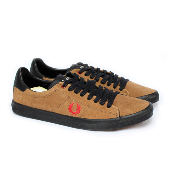 SAPATÊNIS  HOWELLS UNLINED SUEDE FRED PERRY CARAMELO  - Ca Brasileira