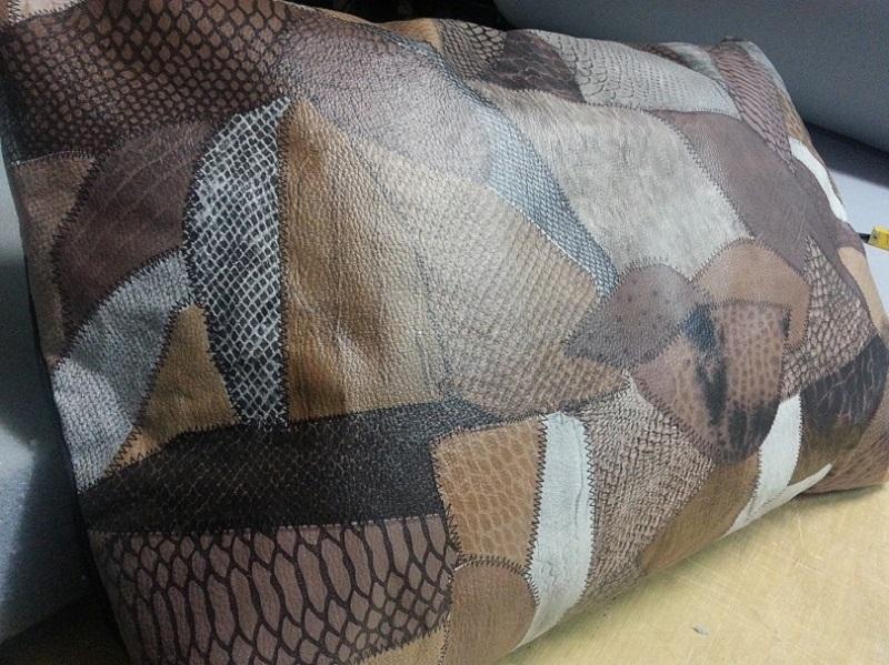Almofada em Corino Estampada com Zíper  - Miranda Colchões