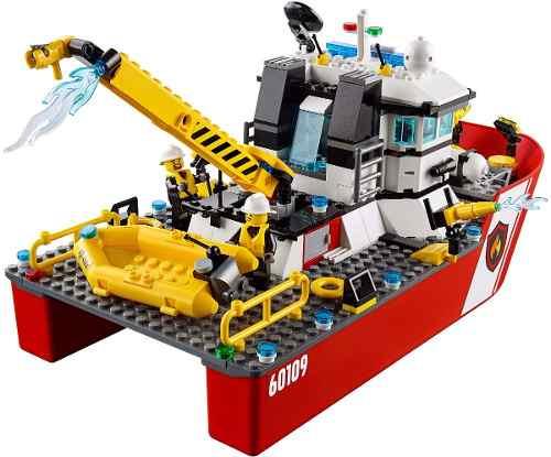 Lego 60109 City Barco  Bombeiros de Combate ao Fogo 412 peças  - Doce Diversão