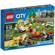 LEGO 60134 – City – Diversão no Parque Pessoas da Cidade