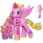 My Little Pony Princesa Cadance luxo 20cm Portugues - Hasbro