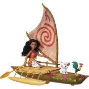 Boneca  Disney Moana e Amigos no Barco com Projetor Hasbro