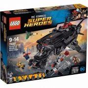 LEGO 76087 DC Comics Liga da Justiça Ataque Aereo do Batmobile - 955  peças