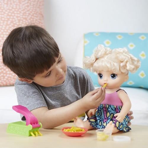 Boneca Baby Alive Espaguete Macarrão Loira frases Portugues - Hasbro  - Doce Diversão