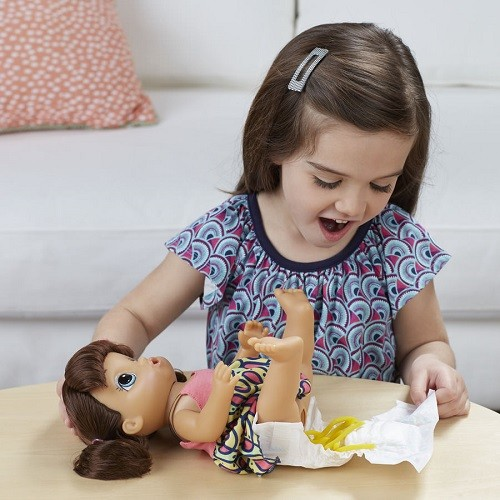 862177e2fa Boneca Baby Alive Espaguete Macarrão Morena frases Portugues - Hasbro -  Doce Diversão