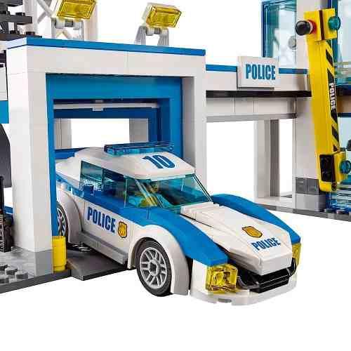 LEGO 60141 City – Estação Delegacia de Policial  - 894 peças  - Doce Diversão
