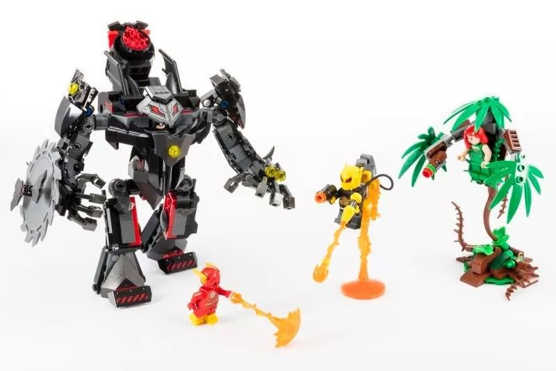 Lego 76117 Dc Batman Robô E Flash VS Hera Venenosa E Vagalume – 375 peças  - Doce Diversão