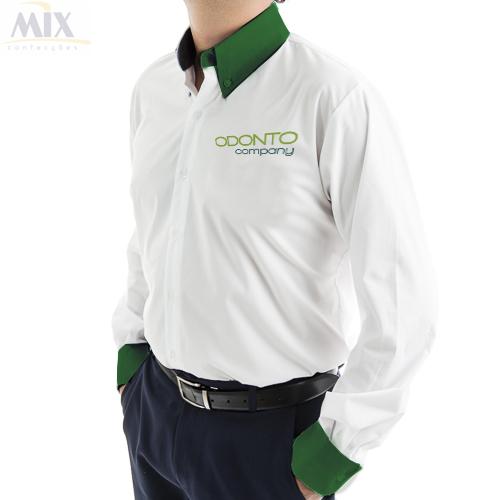 c14e0d754 Camisa Social Masculina ML Branca com Detalhes em verde - Uniformes Odonto  Company