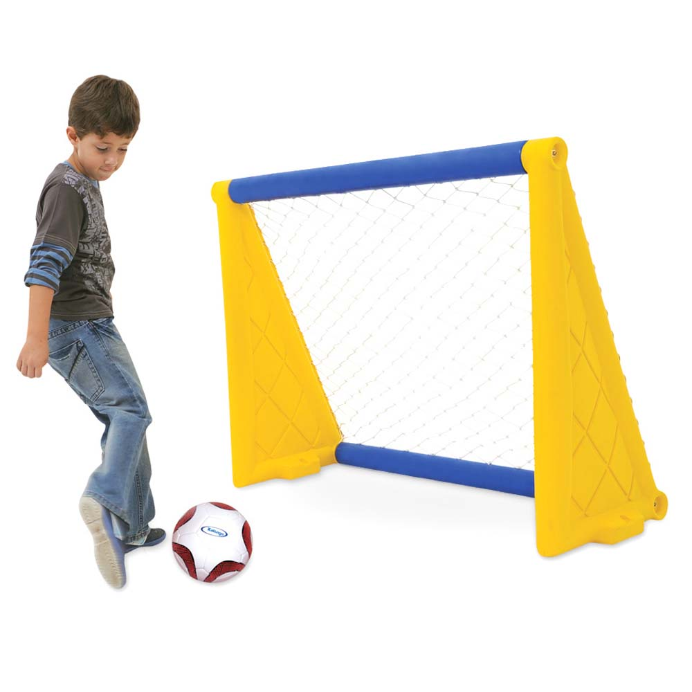 Trave de Gol  com Bola