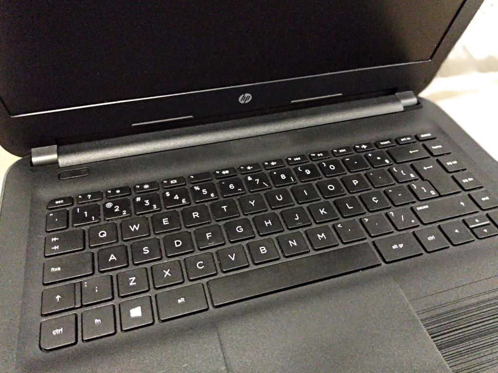 """Notebook HP PAVILION 240 G5 com Processador Intel Core i5 Sexta Geração - RAM 8GB - HD 500GB - TELA 14"""""""