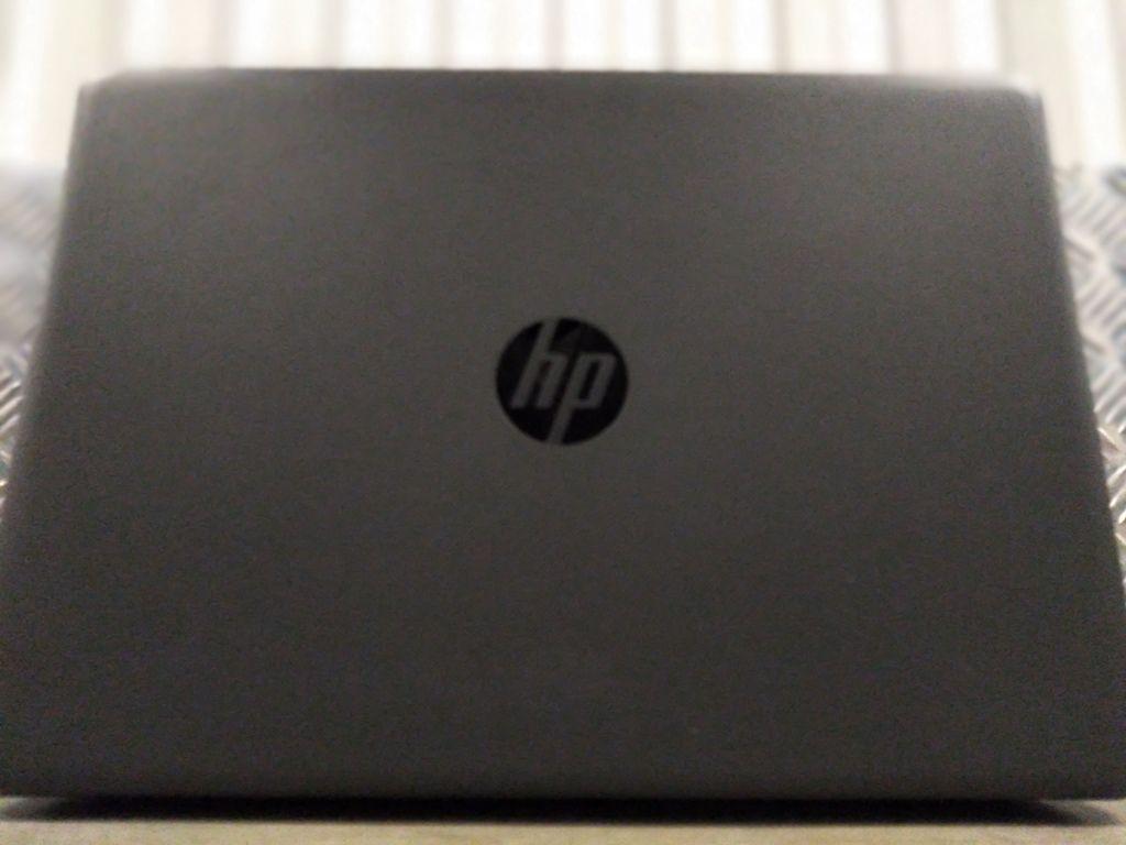 """Notebook HP PAVILION 240 G6 com Processador Intel Core i3 Sétima Geração - RAM 4GB - HD 120GB SSD - TELA 14"""" *NOVO NA CAIXA*"""