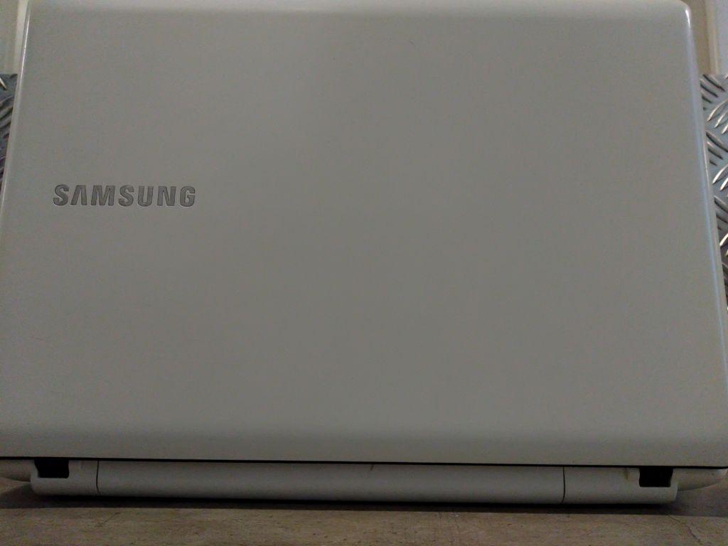 """Notebook SAMSUNG NP370E4K com Porcessador Intel Core i3 Quinta Geração - RAM 4GB - HD 500GB - TELA 14"""""""